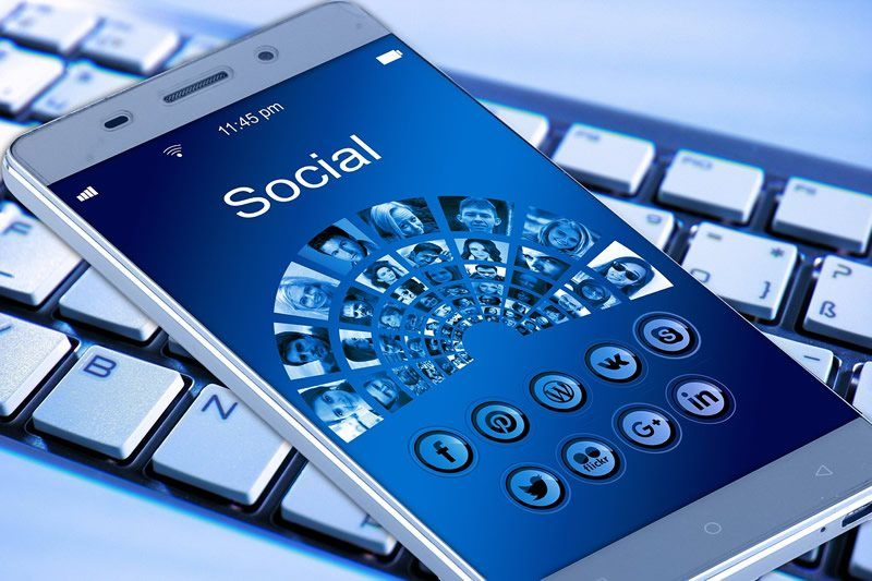 redes sociales clinicas dentales