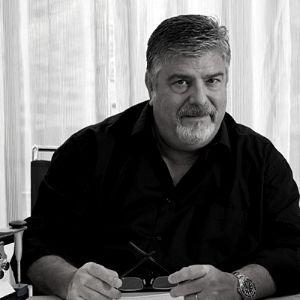 Dr. Fernando Autrán